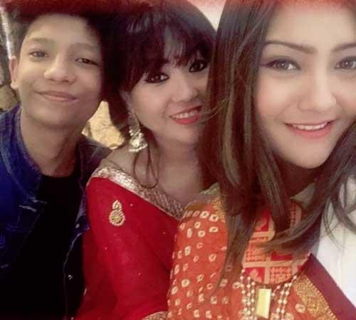 aashika bhatia family