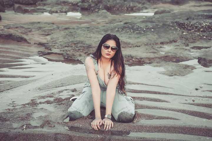 Aabha Paul hot pics