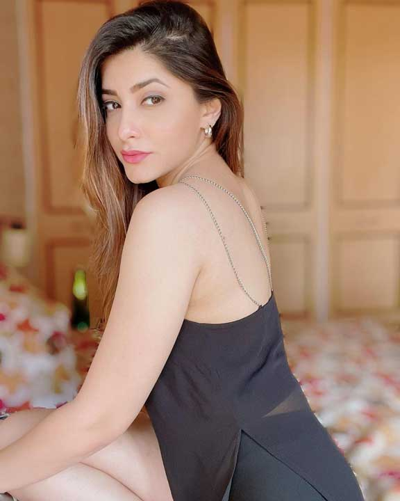Jia Mustafa hot photos