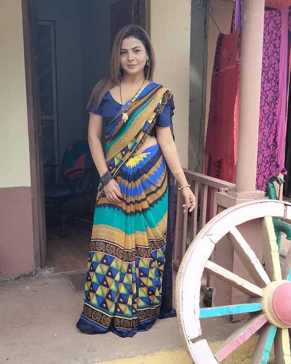 Mahi Kaur saree photos