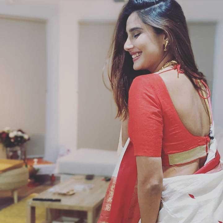 Nikhita Chopra hot photos