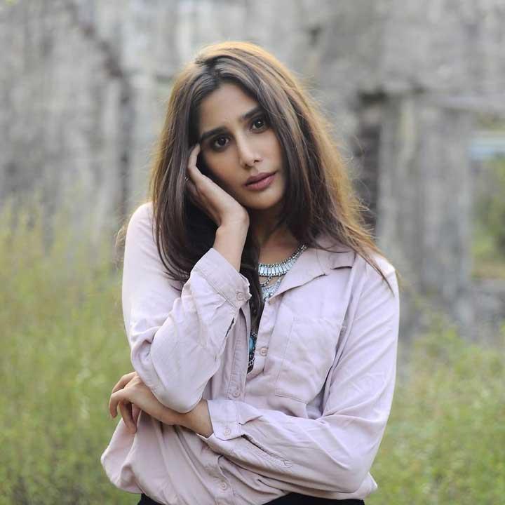 Nikhita Chopra hot pics