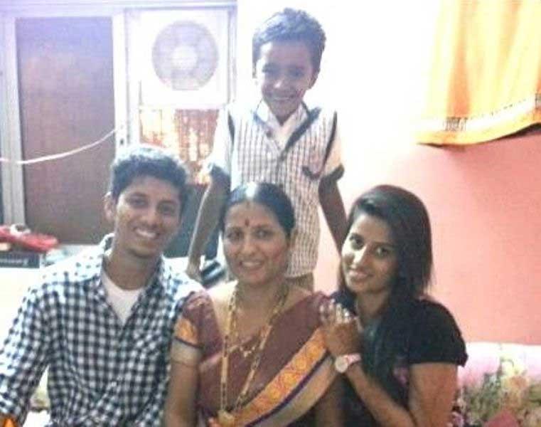 Mayur more family