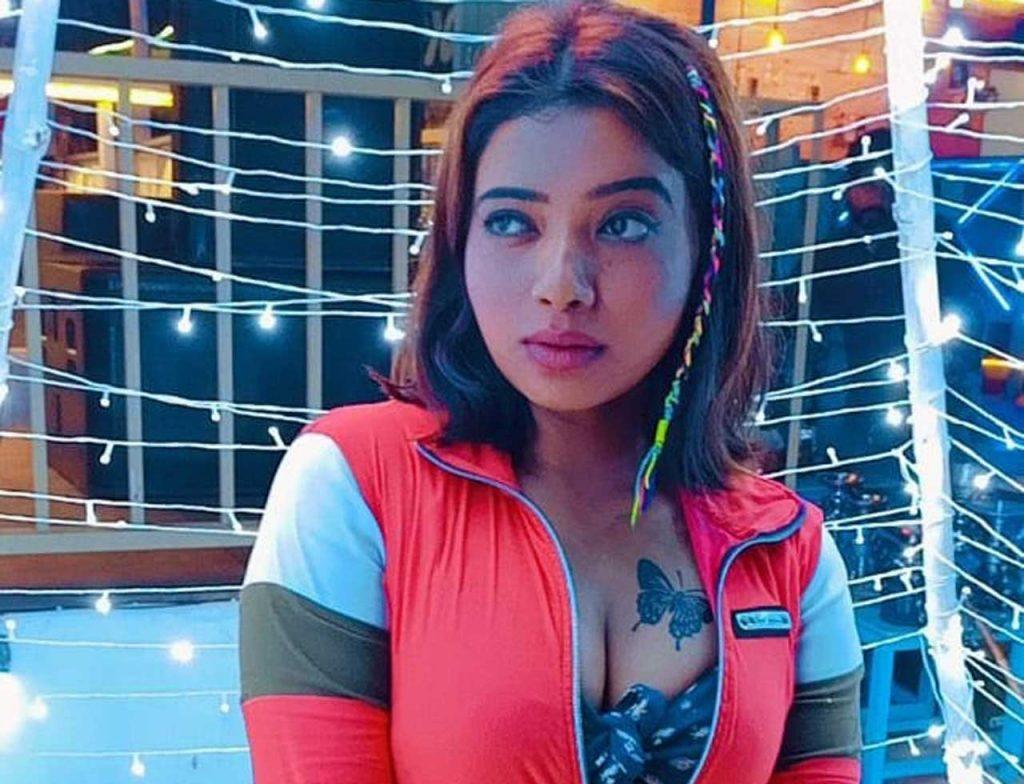 Rekha Mona Sarkar boob size