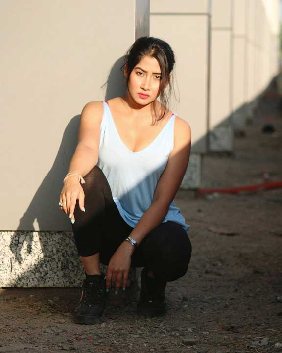 Sofia Ansari boobs photos