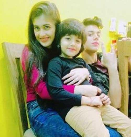 उर्वी सिंह family