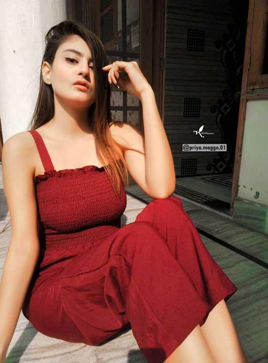 Priya Maggo boob size