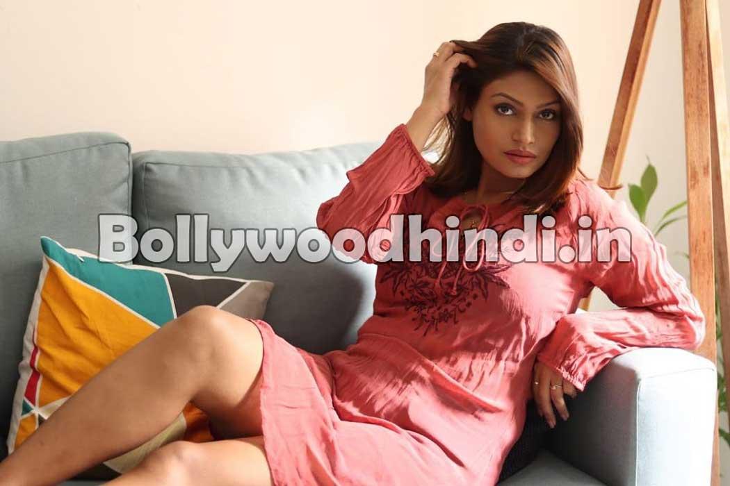 Nidhi Mahawan hot pics