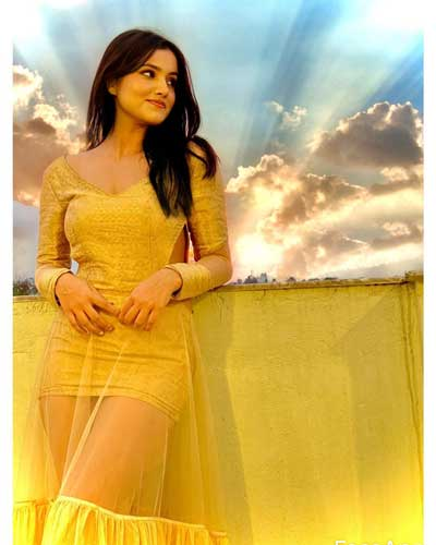 Alisha Sharma hot pics