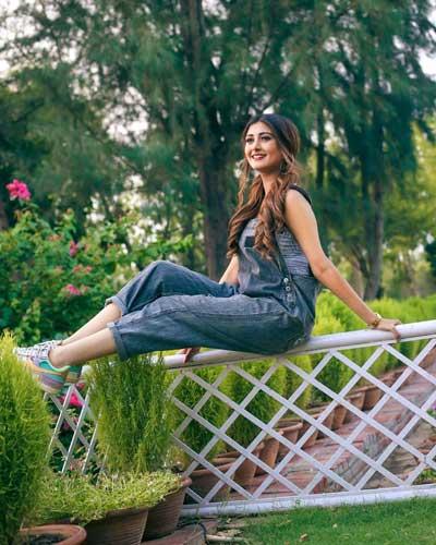 Sana Eslam Khan hot pics