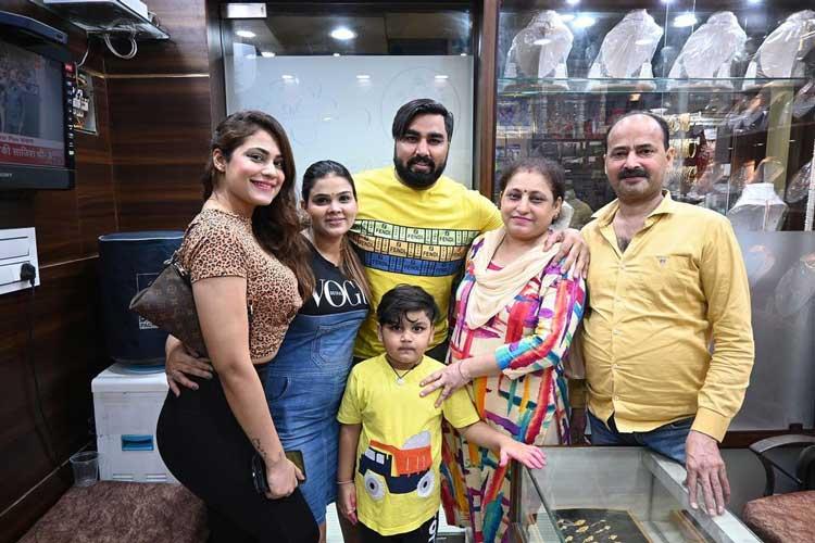 Payal Malik armaan malik kritika malik family photos