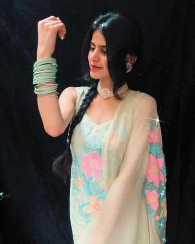Kanishka Sharma Kanishkasss butt size