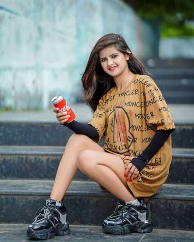 Saniya Shaikh burst size