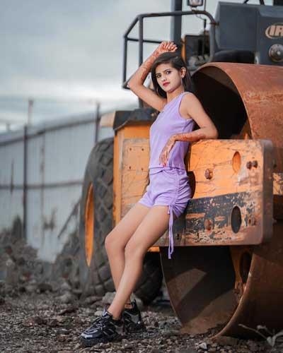 Saniya Shaikh hot photos