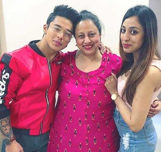 Pratik Sehajpal family