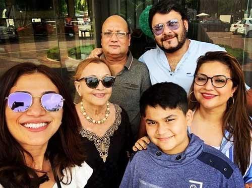 Ridhima Pandit family